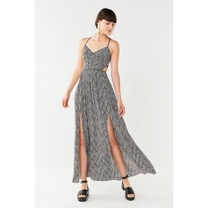UO Gia Lace-Up Maxi Dress - Small